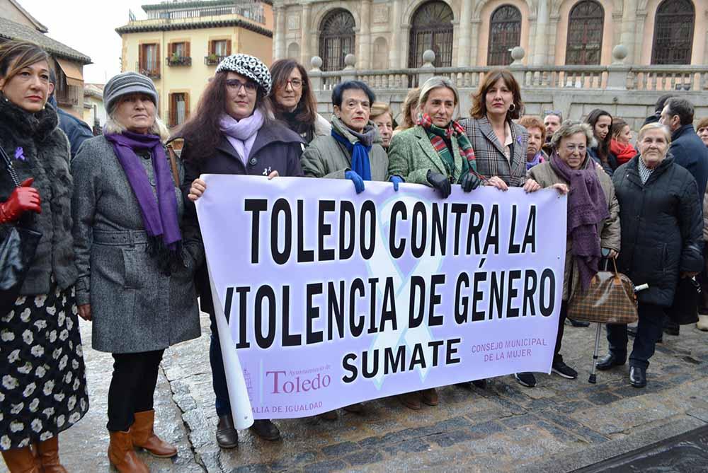 Ana Gómez en la concentración contra violencia mujeres 15012020