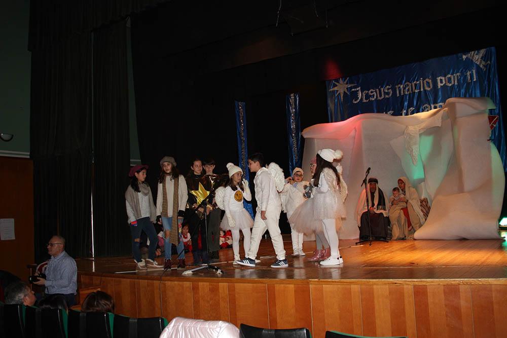 Miguel Esteban Cabalgata, pastorada niños en escenario