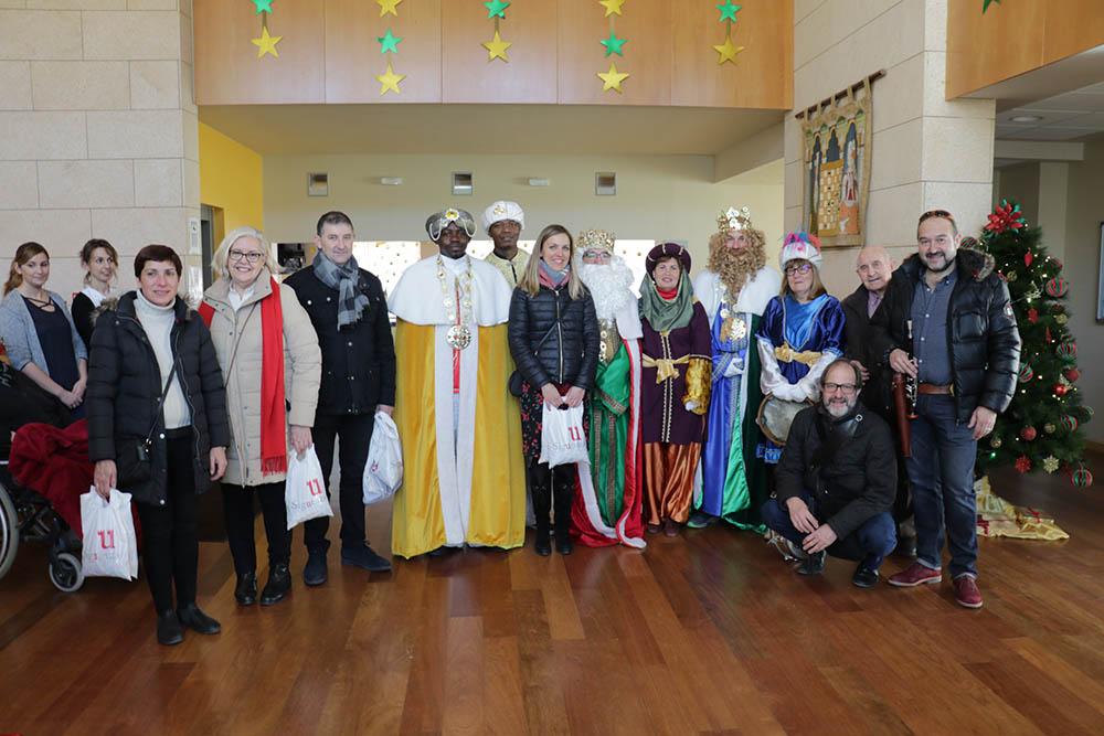 Sigüenza Reyes Magos con los Mayores (1)