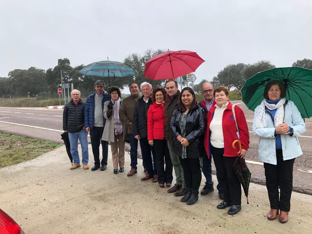 Parlamentarios del PP visitan cruce de N-502 con Parrillas y Navalcán - 170220