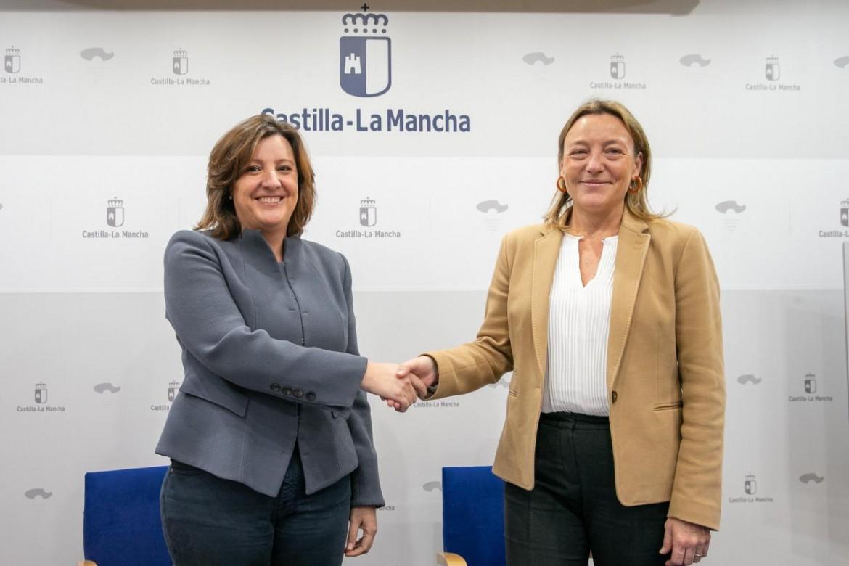 Patricia Franco, firma dos convenios con la Escuela de Organización Industrial