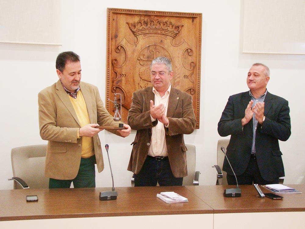 Quintanar recibe al presidente JC de Nove1