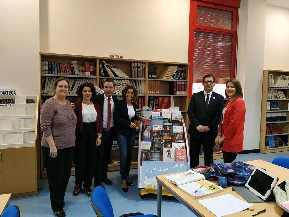 Visita a la biblioteca Olías. Ayudas para bibliotecas municipales (1)