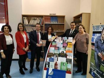 Visita a la biblioteca Olías. Ayudas para bibliotecas municipales (2)