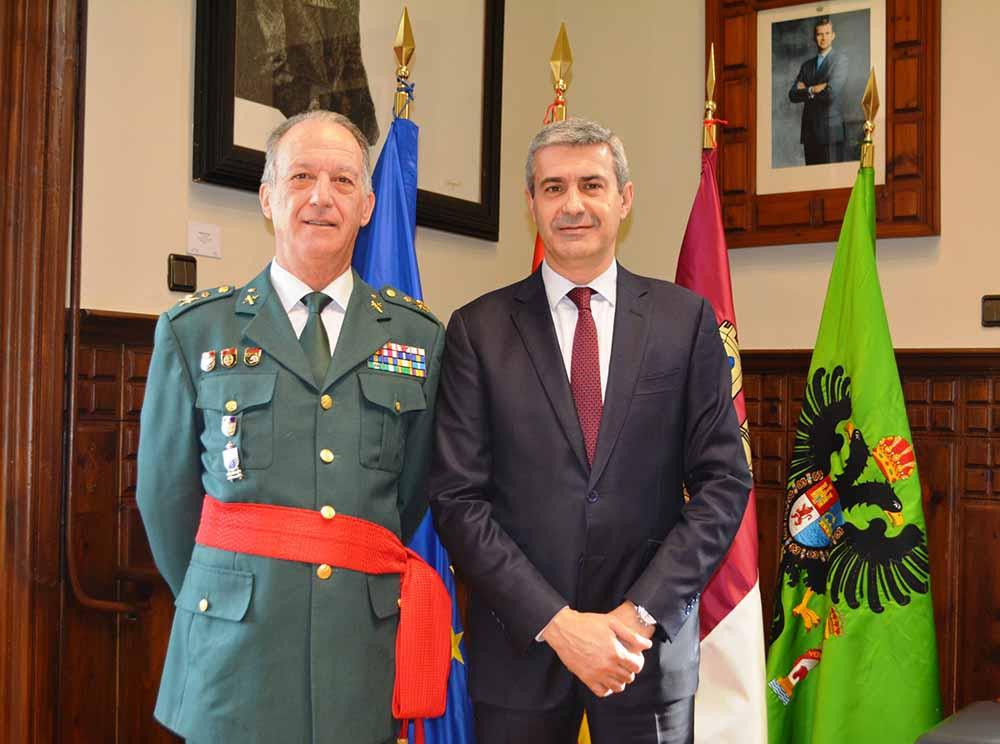 Álvaro Gutiérrez recibe al general Francisco Esteban Pérez 10032020