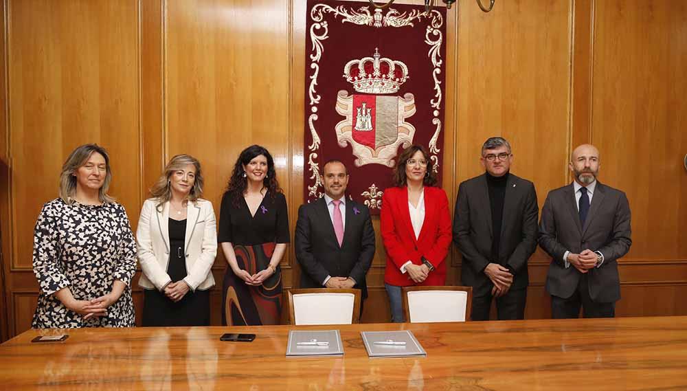 Pablo Bellido firma convenio2