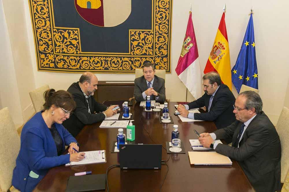 Reunión Blanca Fernández
