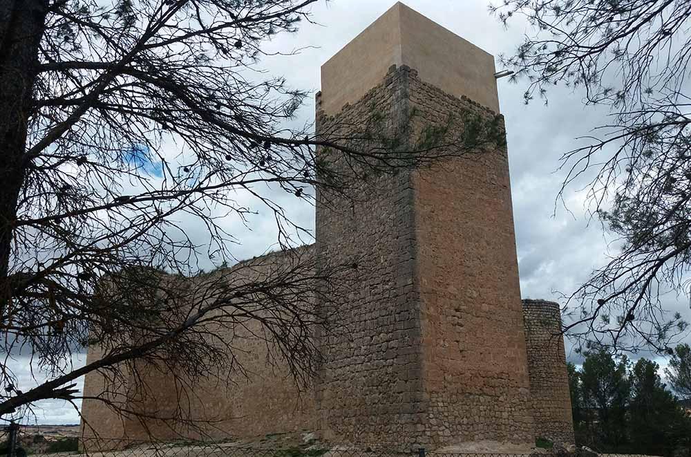 Castillo Cifuentes