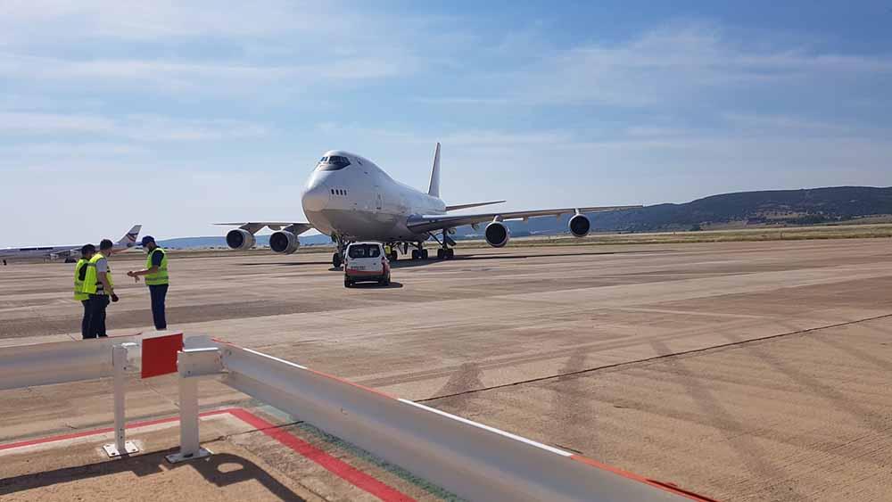 Aeropuerto CR- llegada B747-corredor sanitario (4)