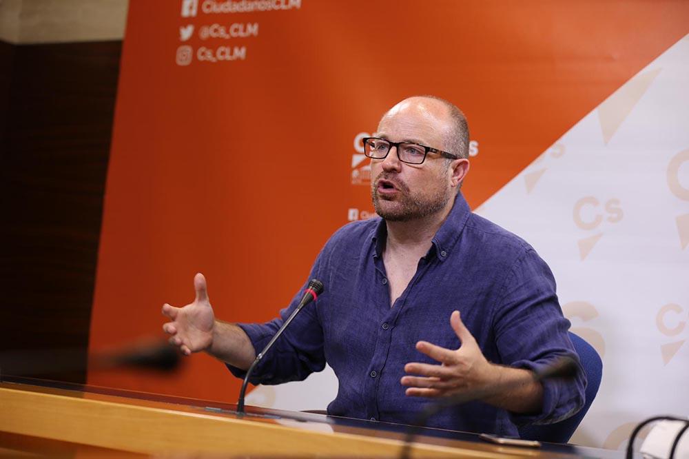 Alejandro Ruiz trans