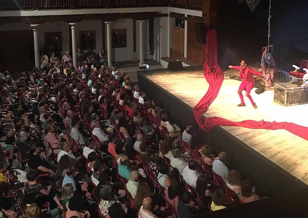 Festival teatro, Ron lala