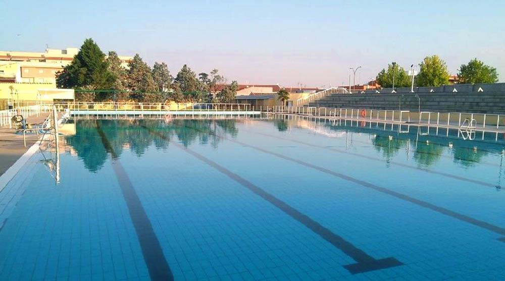 Valdepeñas piscina los Lanos