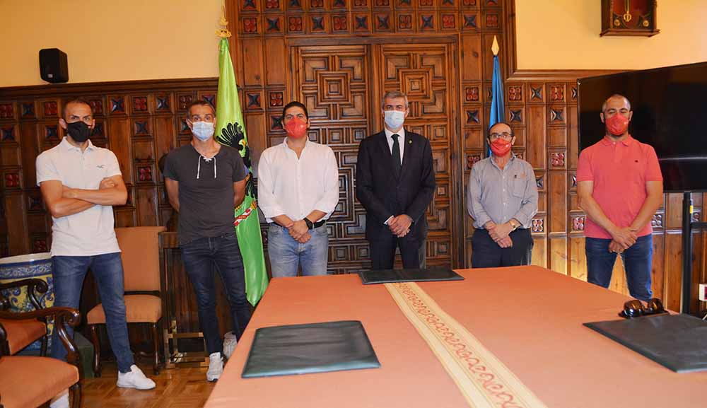 Álvaro Gutiérrez se reúne con representantes Airbus 15072020