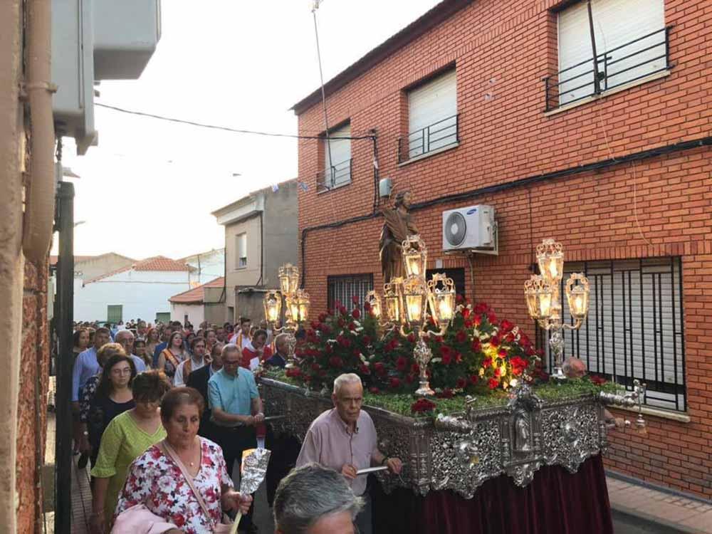 Porzuna fiestas San Pantaleón, procesión 2