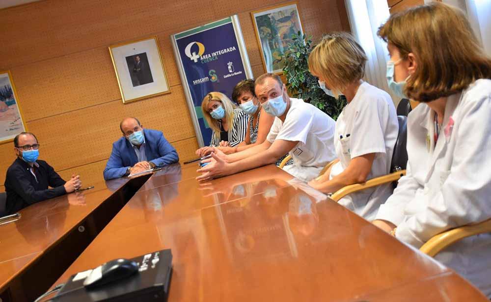 Reunión para larenovación tecnológica del hospital