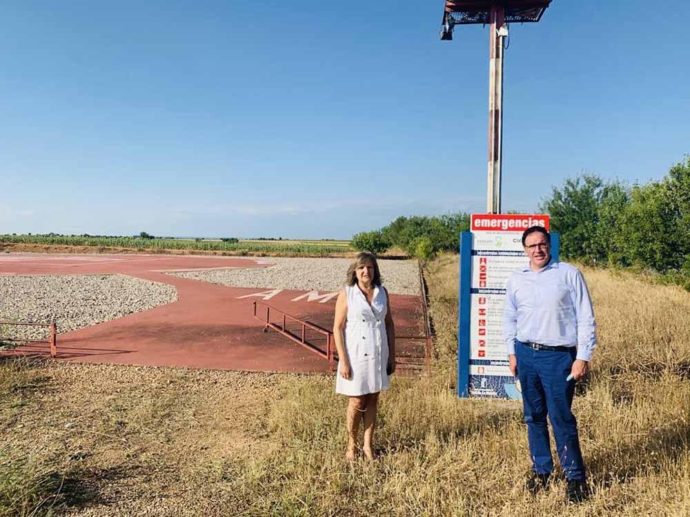 Soledad Nieva y Benjamín Prieto el el Helipuerto