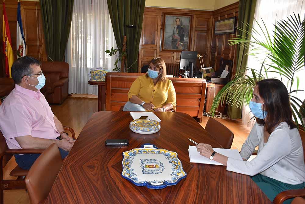 Talavera reunión alcaldesa y subdelegado