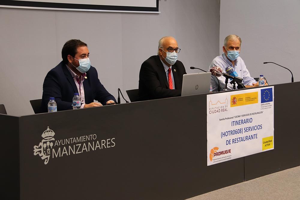 Inauguración de 'Promueve VI' en Manzanares (18)