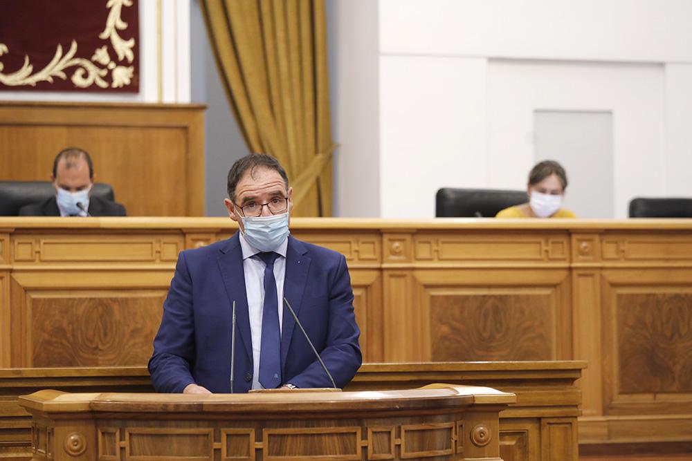 Prieto en el pleno de las Cortes regionales