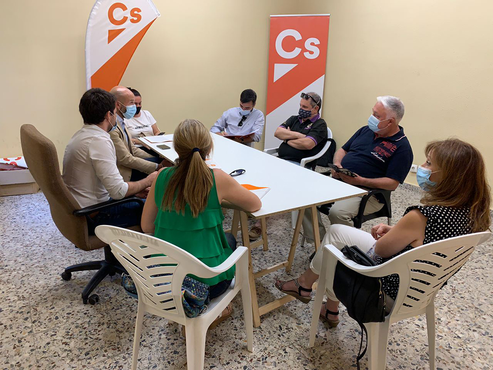 Grupo municipal Cs Yuncos reunido con diputado regional