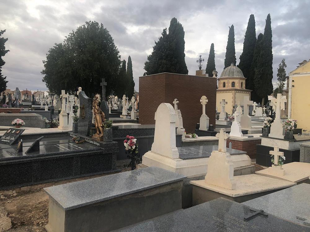 Mota cementerio