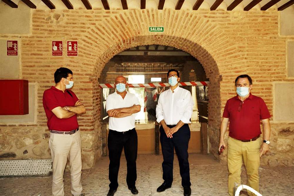 visita del Presidente de Diputación al Palacio de la Clavería en Aldea del Rey