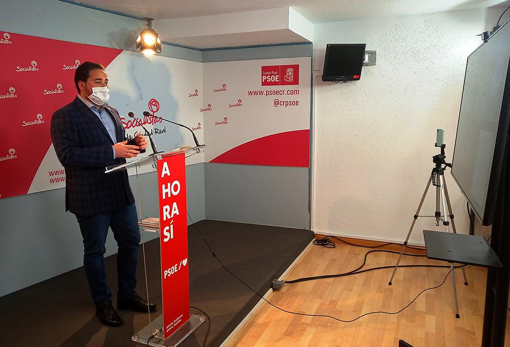 Pablo Camacho en la rueda de prensa