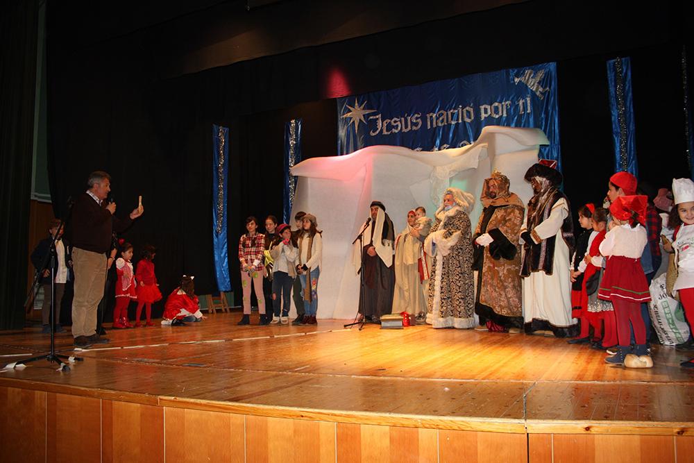 Cabalgata, pastorada alcalde entrega llave a reyes en escenario