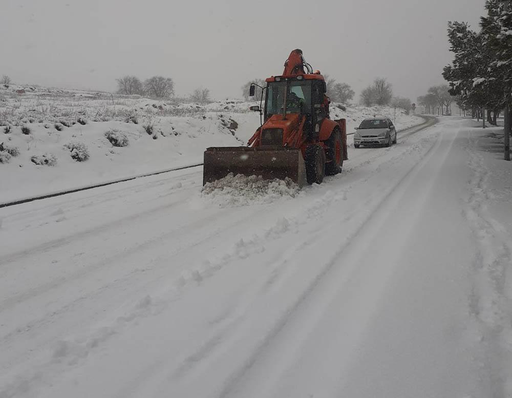 Villacañas escabdora retirando nieve