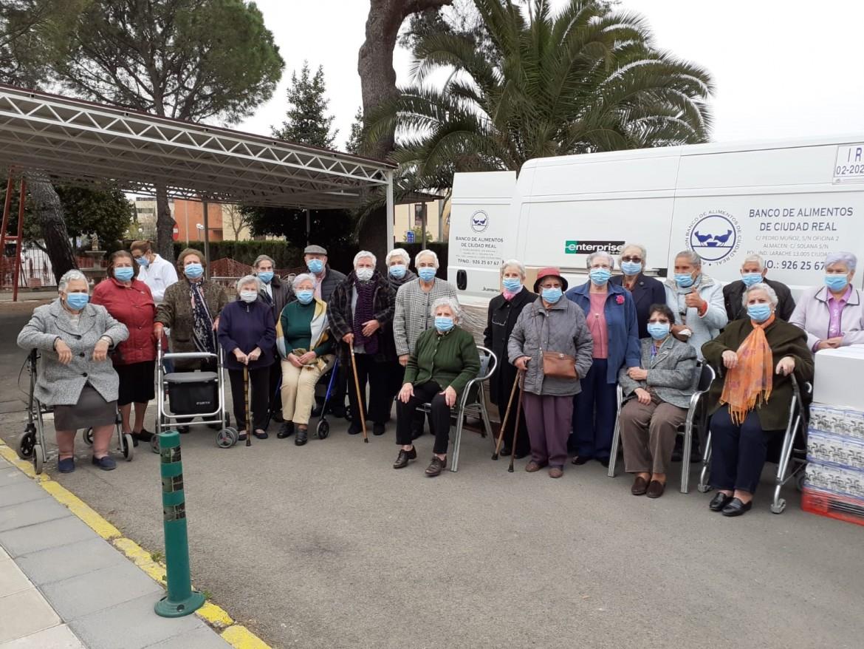 donación Ciudad de Matrimonios Ancianos, residentes