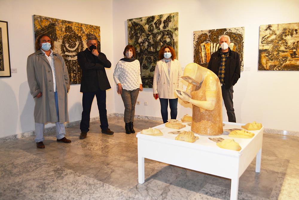 Cristina Cebas con algunos de los artistas de Sofismas (1) 20042021