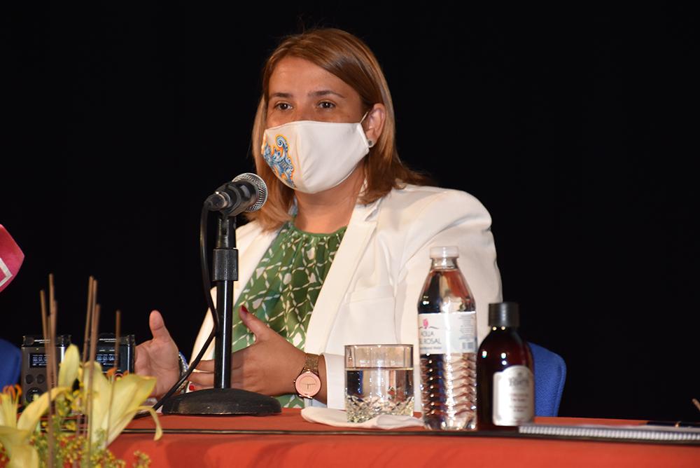 Tita García Élez alcaldesa cerámica alma Jardines
