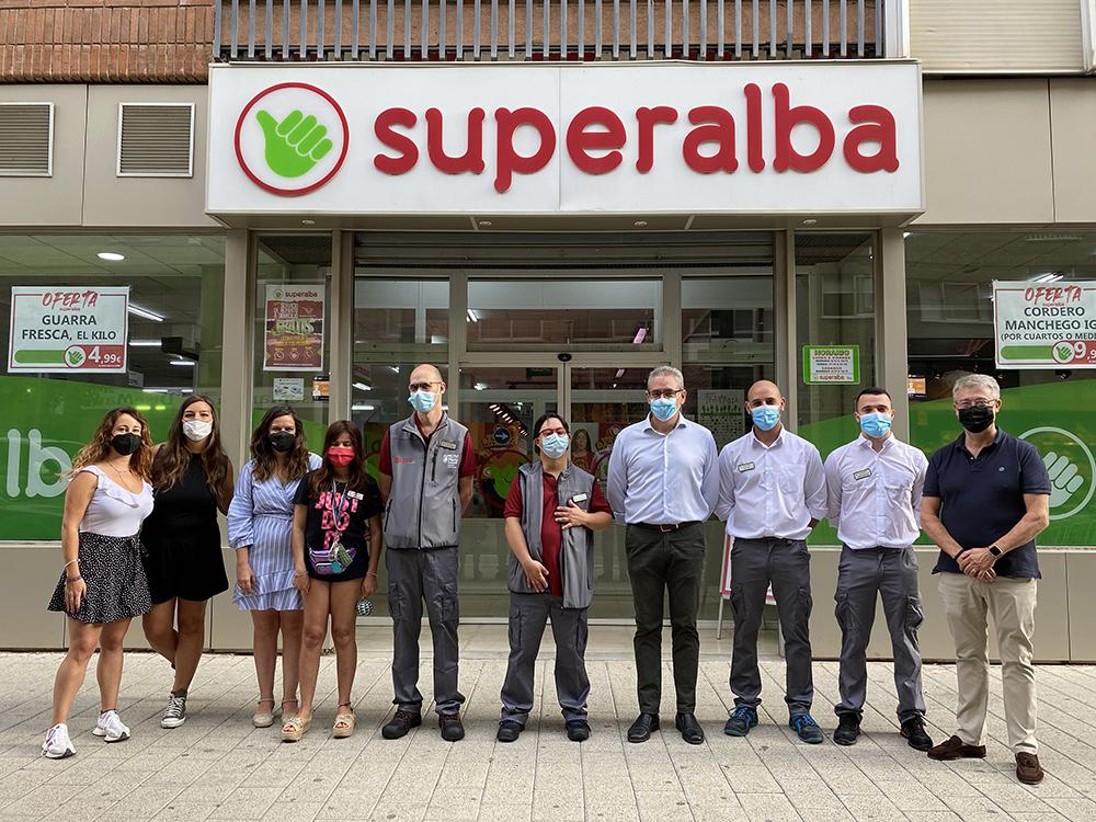 202110 Superalba acoge en prácticas a tres usuarios de Asprona